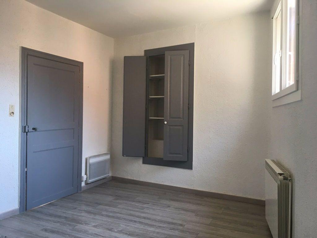 Appartement à louer 2 47m2 à Lirac vignette-3