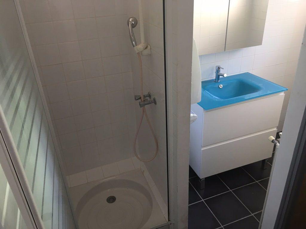 Appartement à louer 2 47m2 à Lirac vignette-4