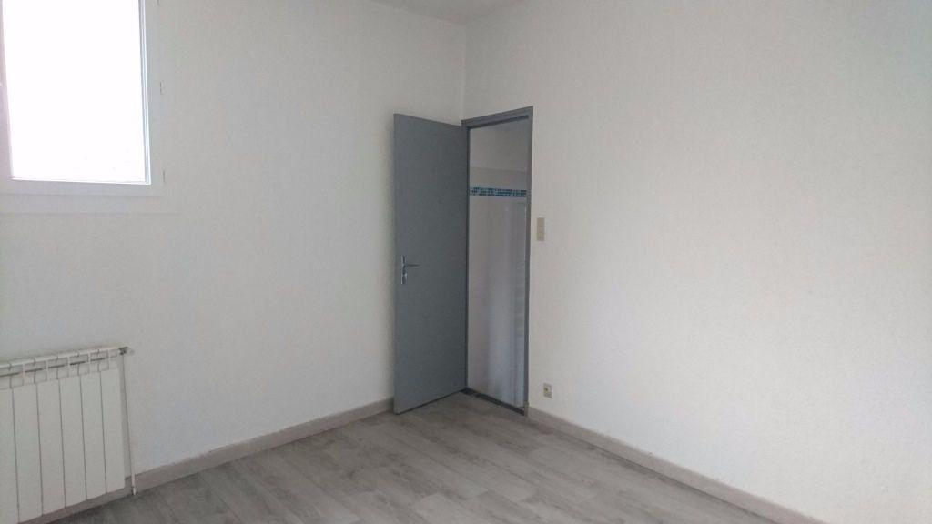Appartement à louer 2 47m2 à Lirac vignette-5