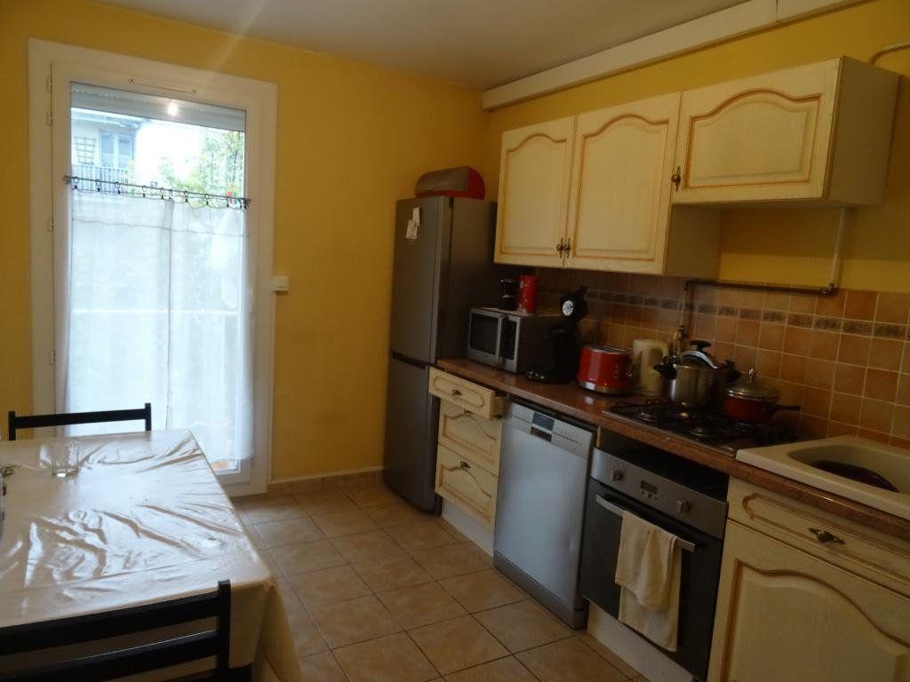 Appartement à vendre 3 70m2 à Avignon vignette-3