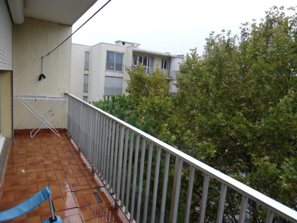Appartement à vendre 3 70m2 à Avignon vignette-6