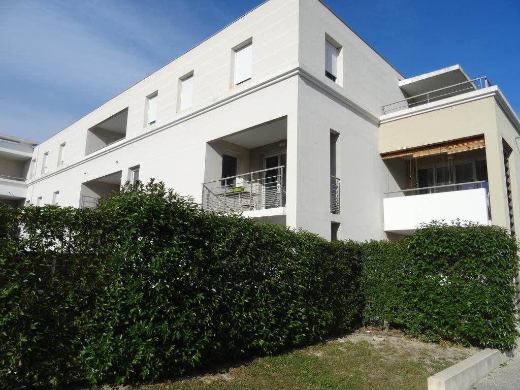 Appartement à vendre 3 65m2 à Avignon vignette-1