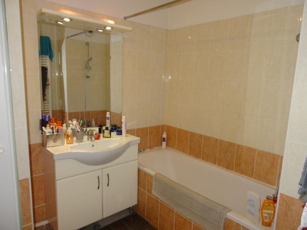Appartement à vendre 3 57m2 à Montfavet - Avignon vignette-7