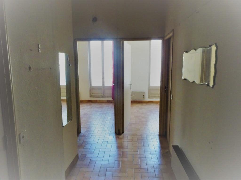 Appartement à vendre 4 130m2 à Avignon vignette-4