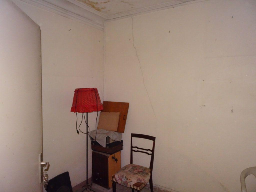 Appartement à vendre 4 130m2 à Avignon vignette-8
