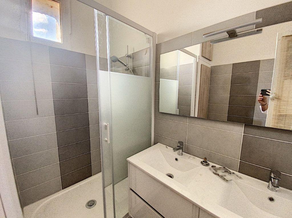 Appartement à vendre 3 95m2 à Avignon vignette-4