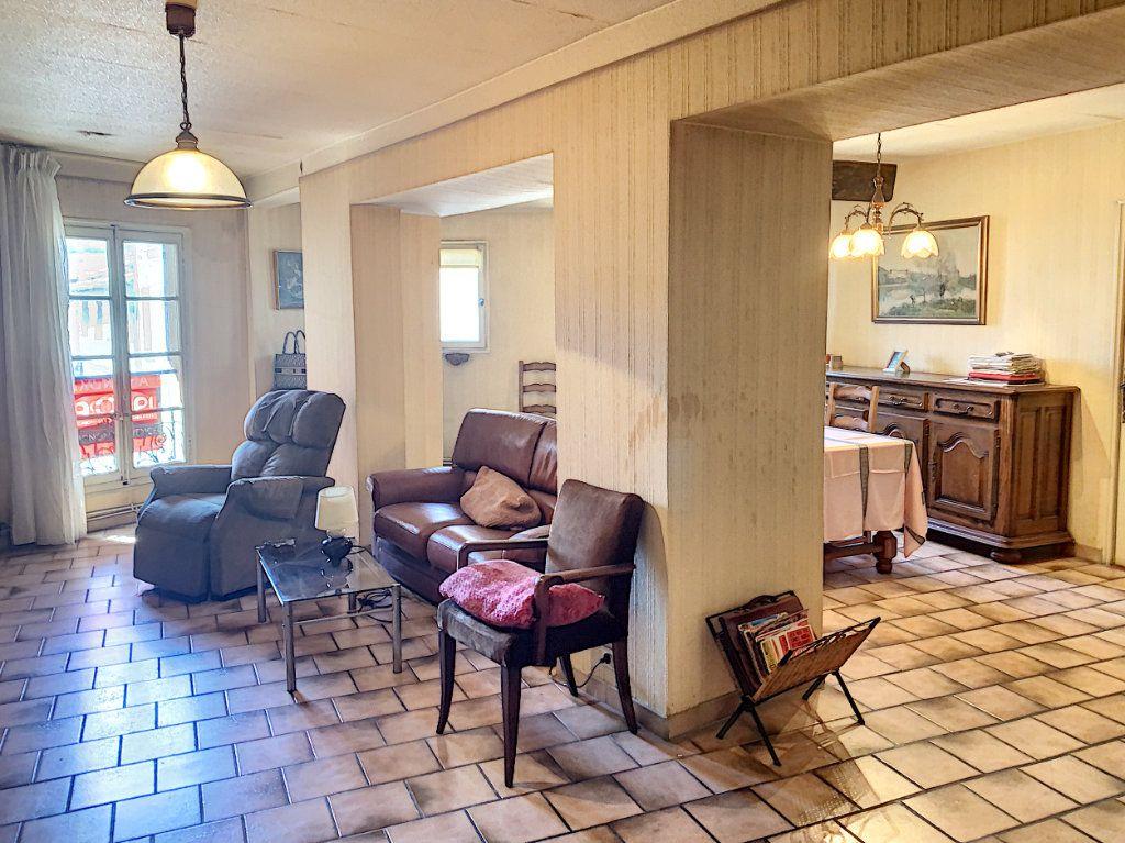 Appartement à vendre 3 98m2 à Avignon vignette-2