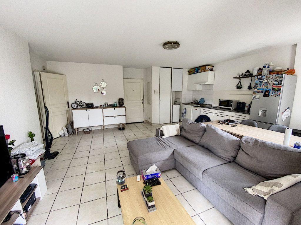 Appartement à vendre 2 47m2 à Montfavet - Avignon vignette-2