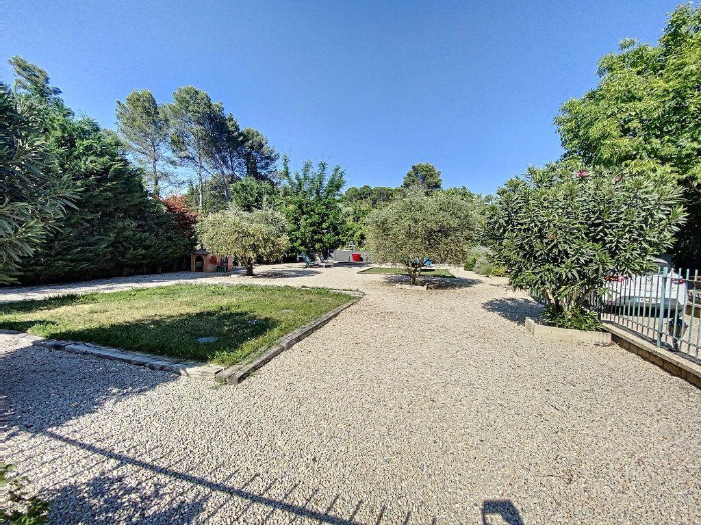 Maison à vendre 7 207m2 à Barbentane vignette-4