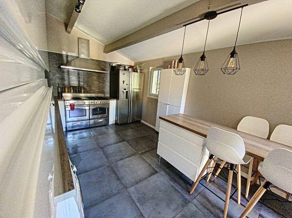 Maison à vendre 7 207m2 à Barbentane vignette-6