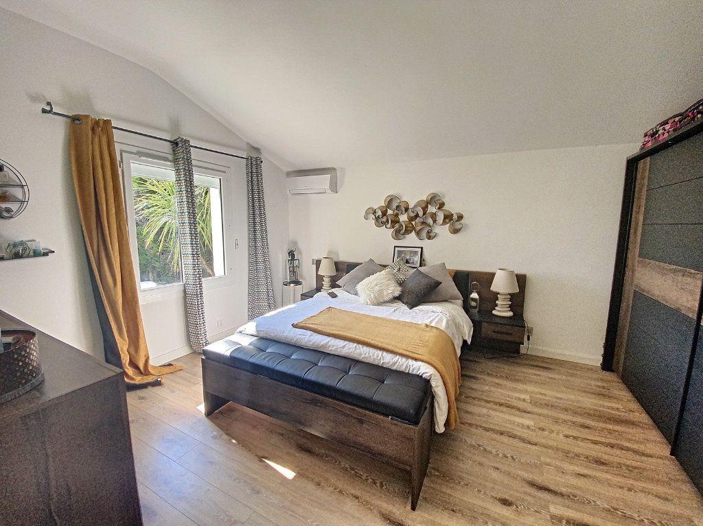 Maison à vendre 7 207m2 à Barbentane vignette-7