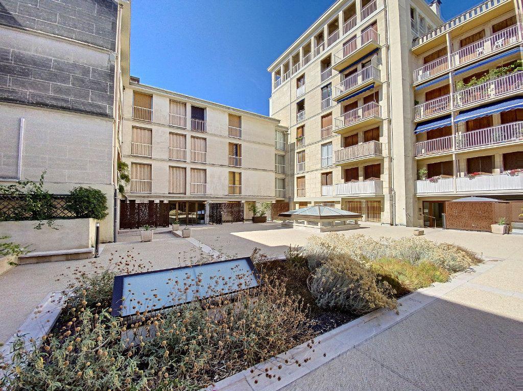 Appartement à vendre 3 71m2 à Avignon vignette-1