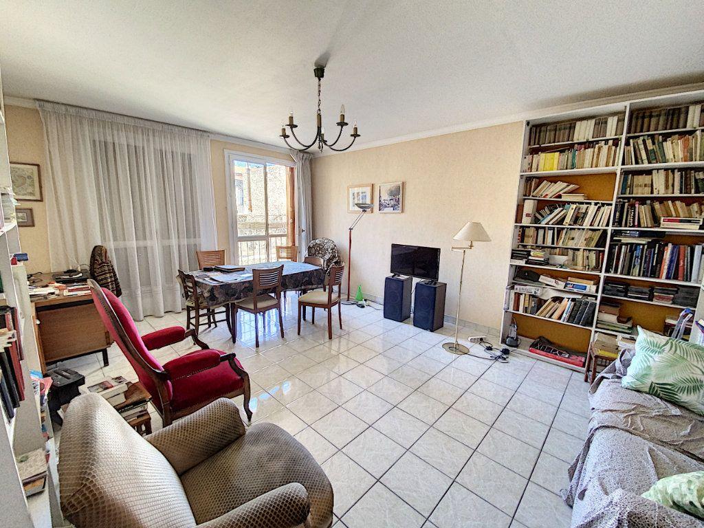 Appartement à vendre 3 71m2 à Avignon vignette-3