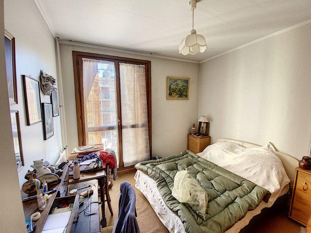 Appartement à vendre 3 71m2 à Avignon vignette-5