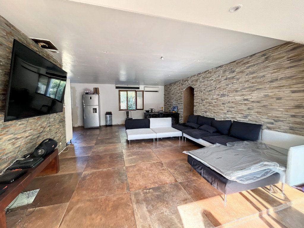 Maison à vendre 5 113m2 à Avignon vignette-3