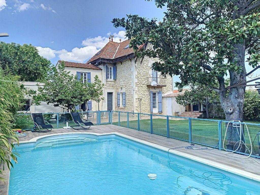 Maison à vendre 6 140m2 à Avignon vignette-1