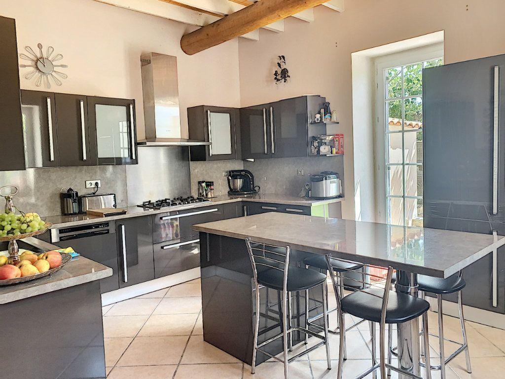 Maison à vendre 6 140m2 à Avignon vignette-4