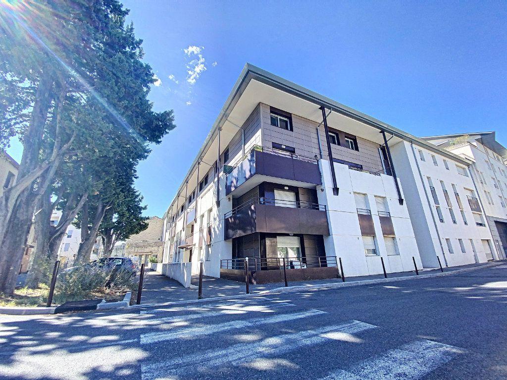 Appartement à vendre 3 60.55m2 à Avignon vignette-1
