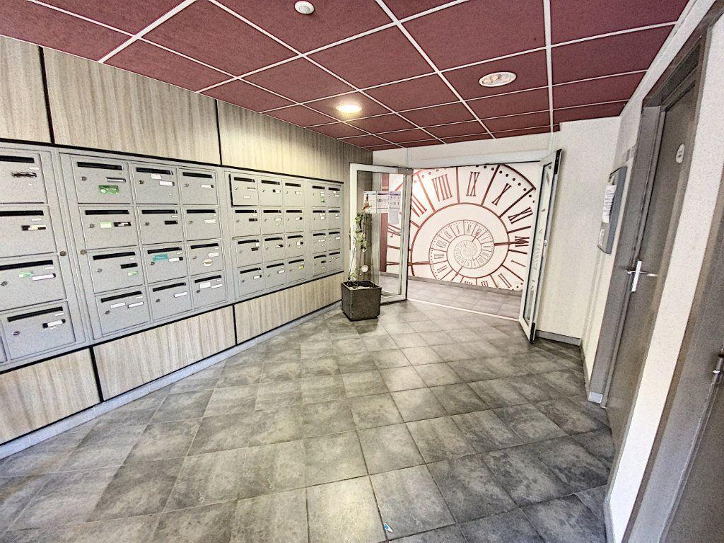 Appartement à vendre 3 60.55m2 à Avignon vignette-3