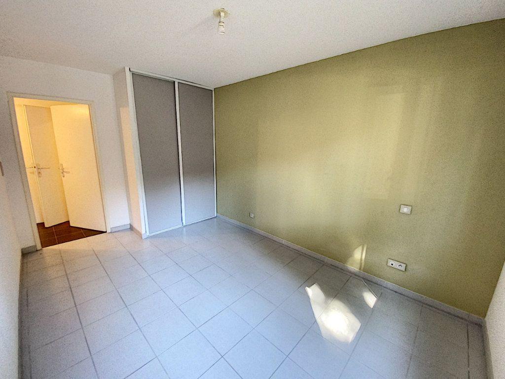 Appartement à vendre 3 60.55m2 à Avignon vignette-5