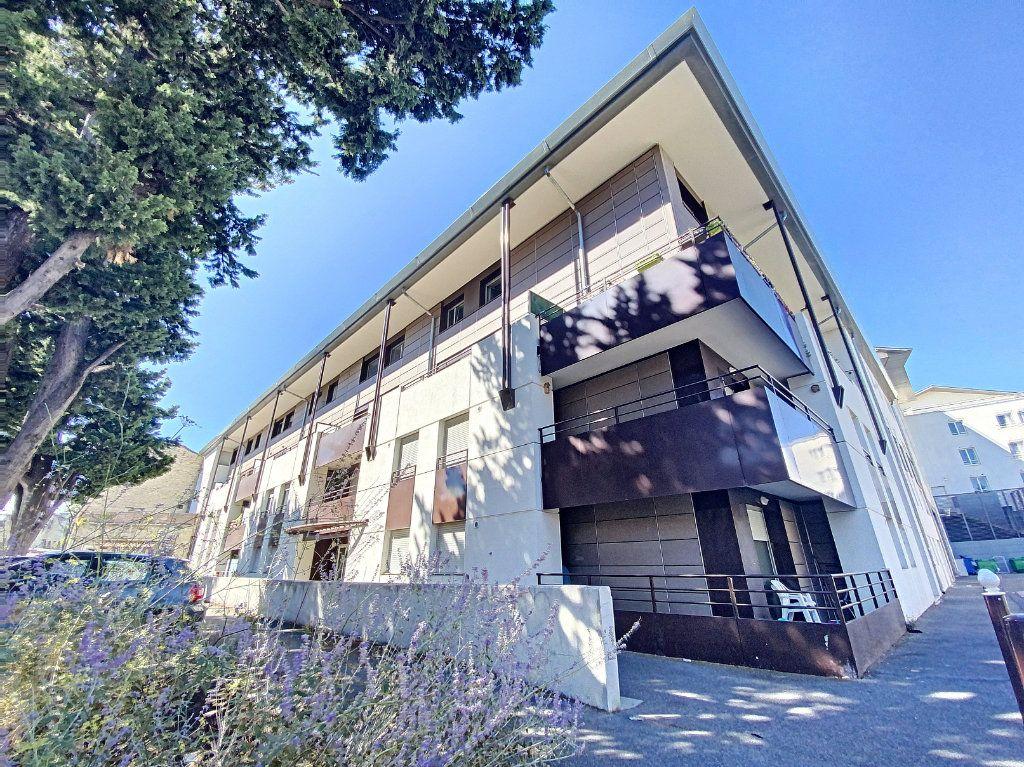Appartement à vendre 3 60.55m2 à Avignon vignette-7
