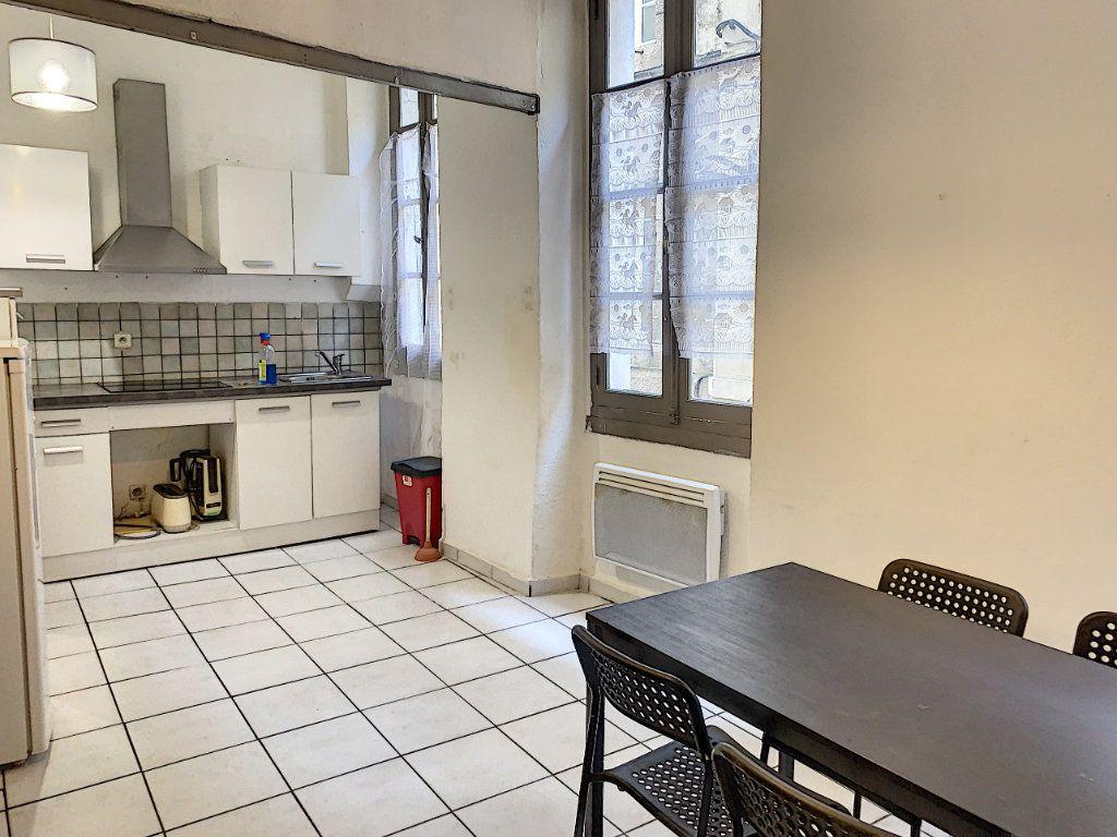 Appartement à vendre 2 41m2 à Avignon vignette-2