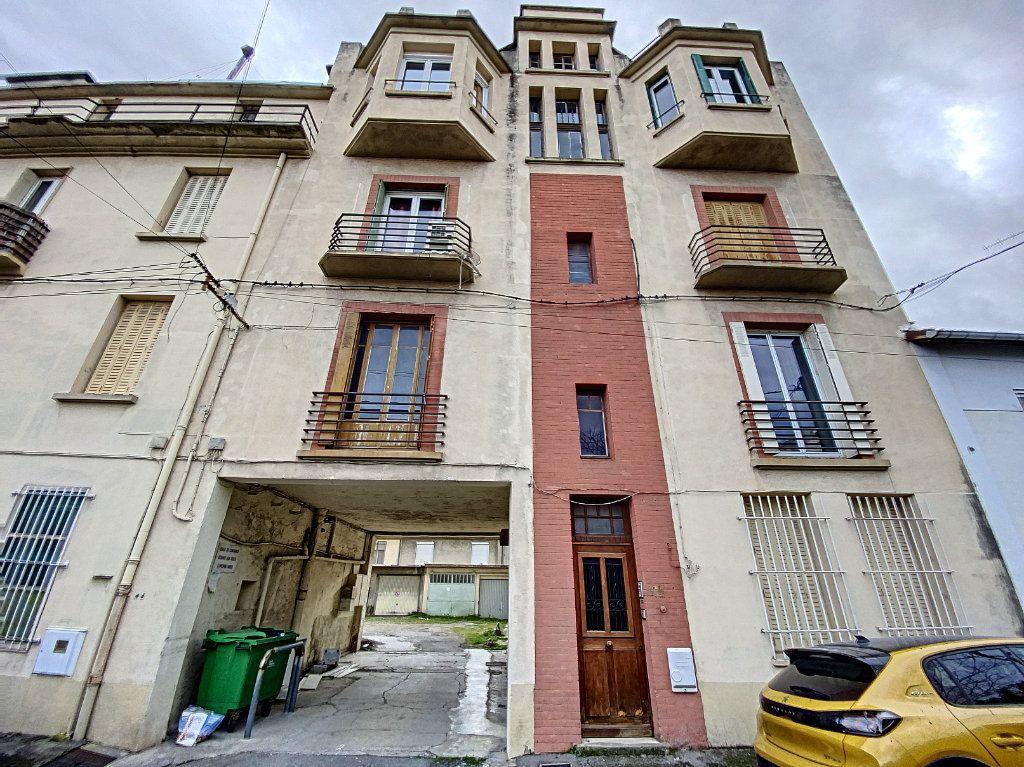 Appartement à vendre 2 39m2 à Avignon vignette-1