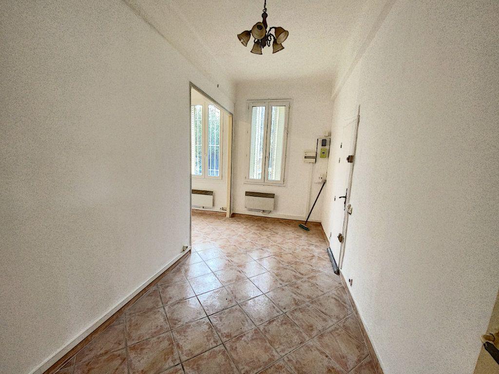 Appartement à vendre 2 39m2 à Avignon vignette-2