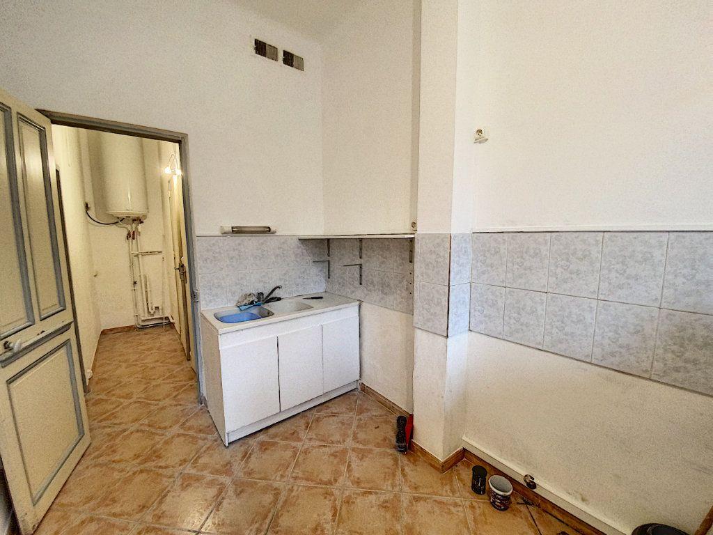 Appartement à vendre 2 39m2 à Avignon vignette-3