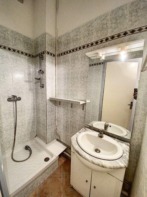 Appartement à vendre 2 39m2 à Avignon vignette-6