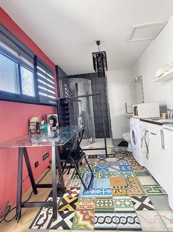 Maison à vendre 4 130m2 à Morières-lès-Avignon vignette-4