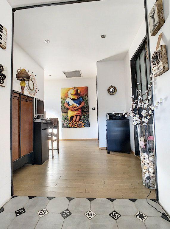 Maison à vendre 4 130m2 à Morières-lès-Avignon vignette-7