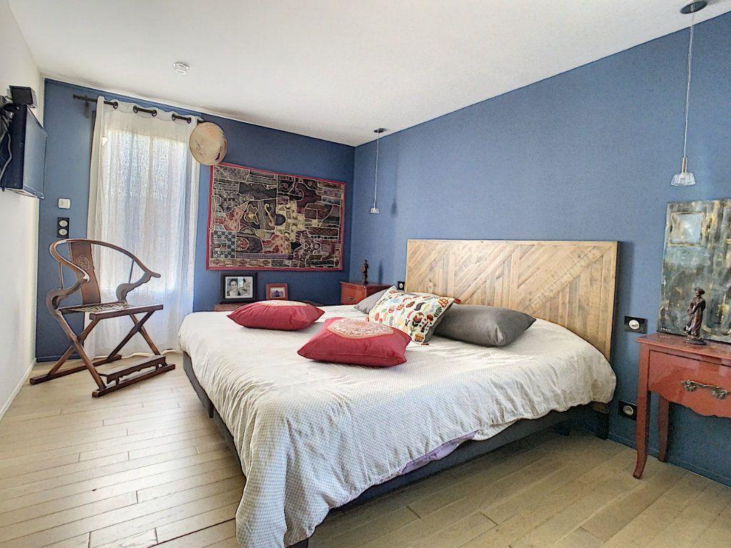 Maison à vendre 4 130m2 à Morières-lès-Avignon vignette-8