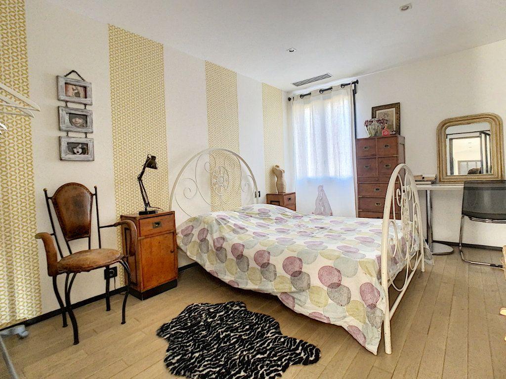 Maison à vendre 4 130m2 à Morières-lès-Avignon vignette-12