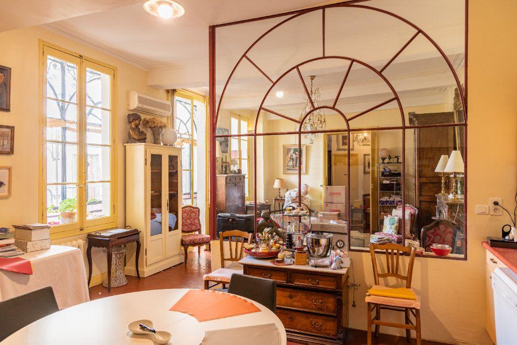 Appartement à vendre 5 135m2 à Avignon vignette-2