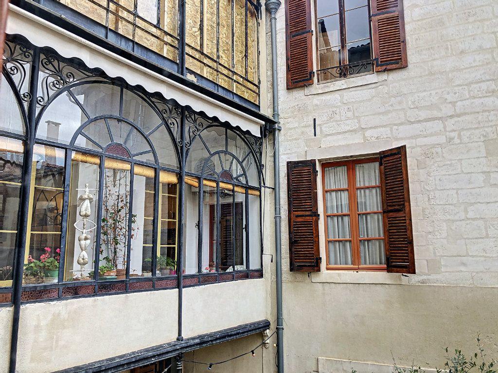 Appartement à vendre 5 135m2 à Avignon vignette-4