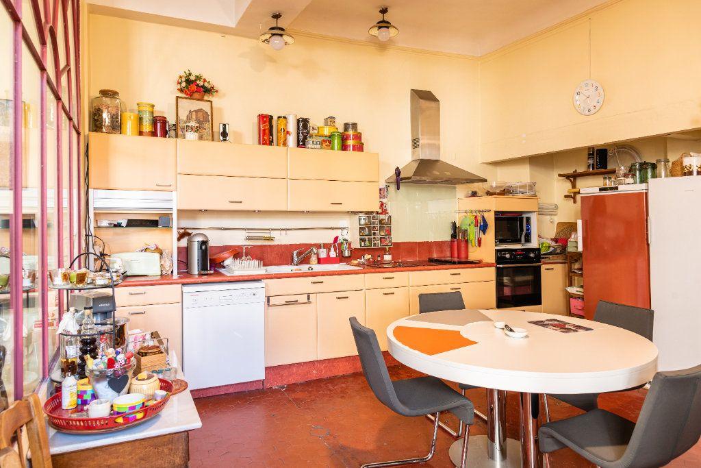Appartement à vendre 5 135m2 à Avignon vignette-5