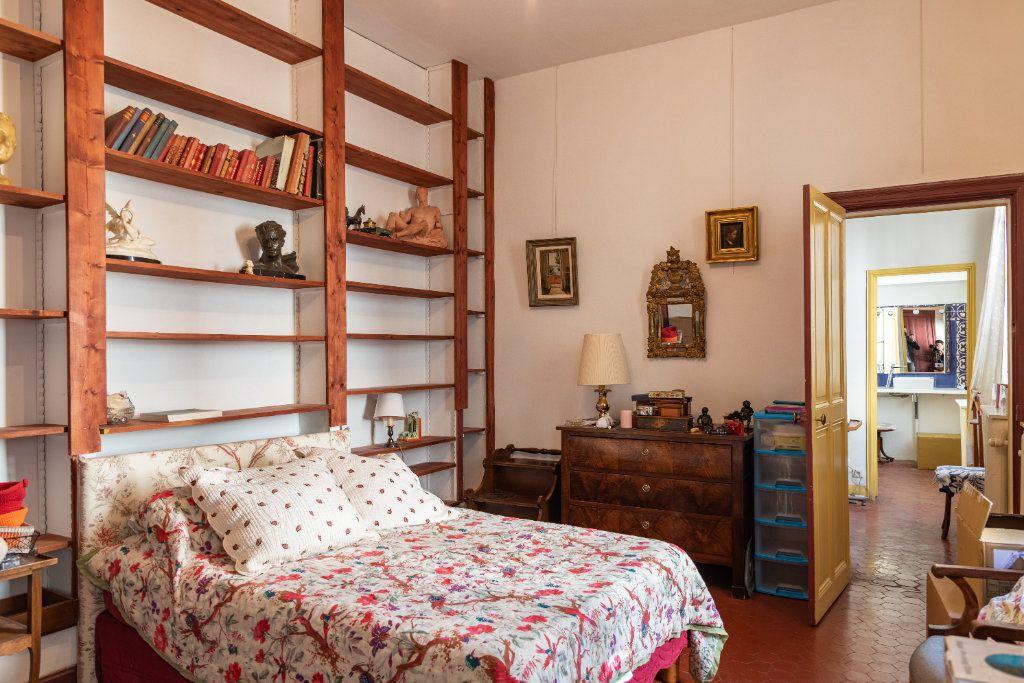 Appartement à vendre 5 135m2 à Avignon vignette-6