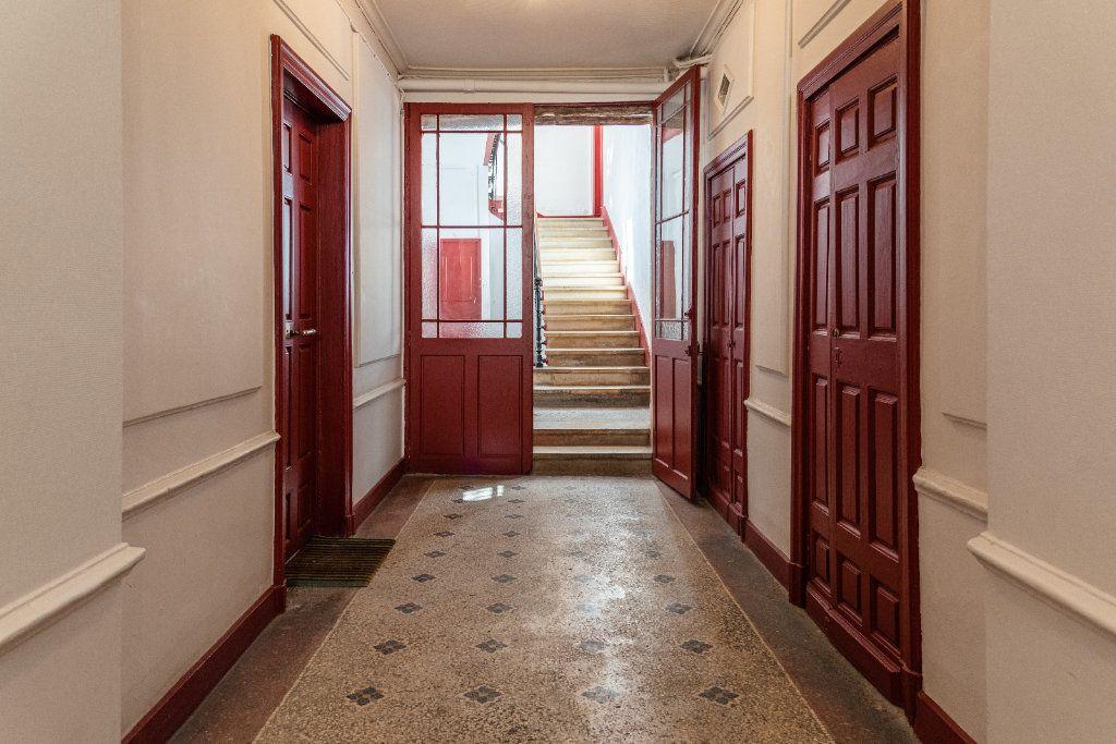 Appartement à vendre 5 135m2 à Avignon vignette-9