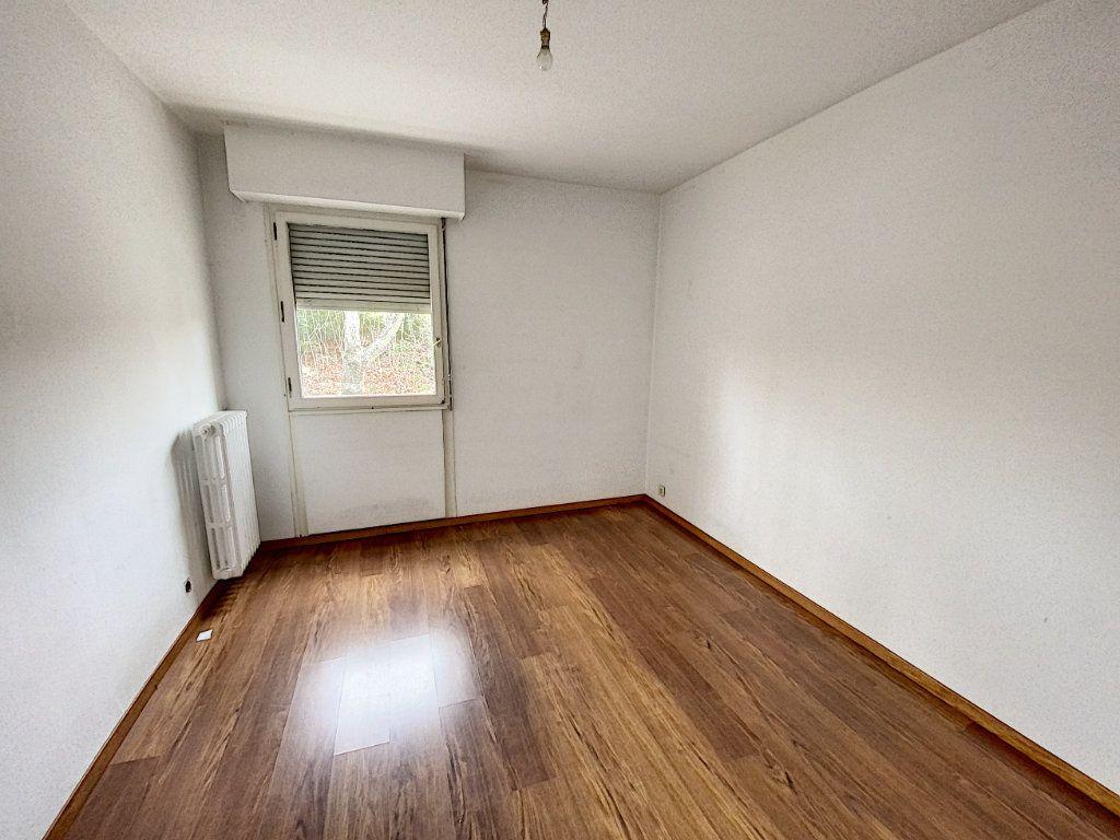 Appartement à vendre 4 101m2 à Avignon vignette-6