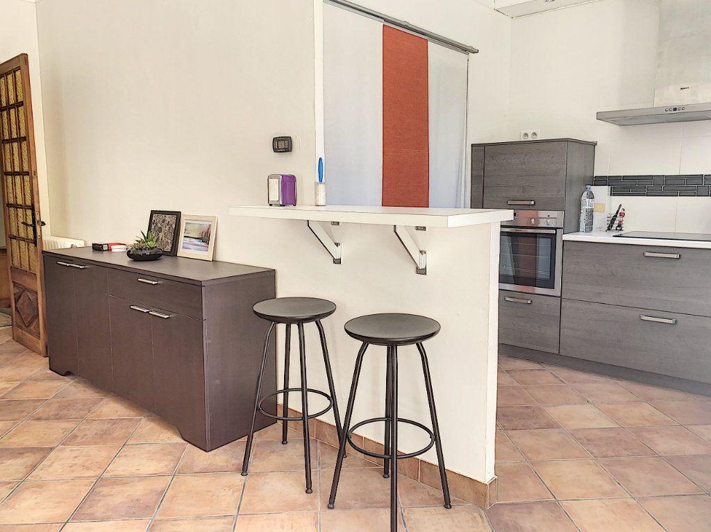 Appartement à vendre 3 92.73m2 à Avignon vignette-3
