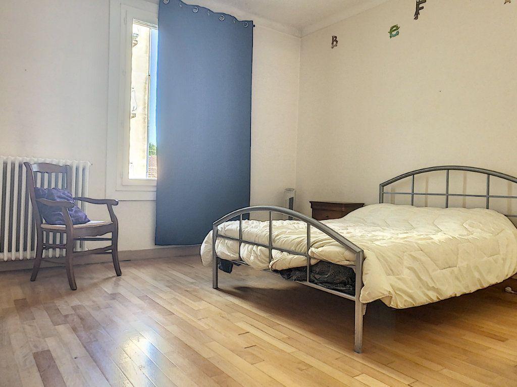 Appartement à vendre 3 92.73m2 à Avignon vignette-6