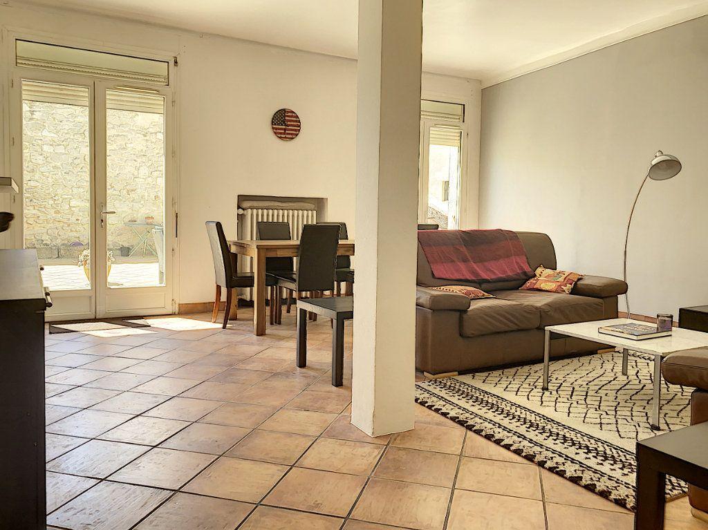 Appartement à vendre 3 92.73m2 à Avignon vignette-9