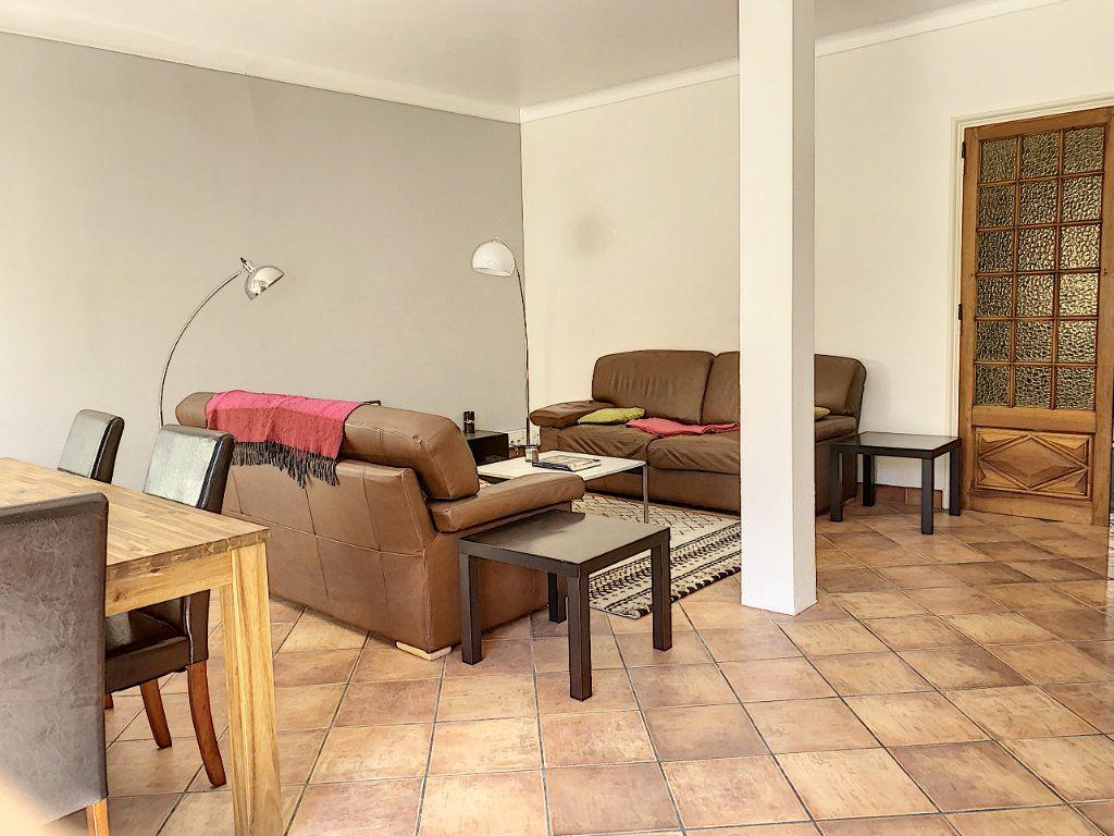 Appartement à vendre 3 92.73m2 à Avignon vignette-11