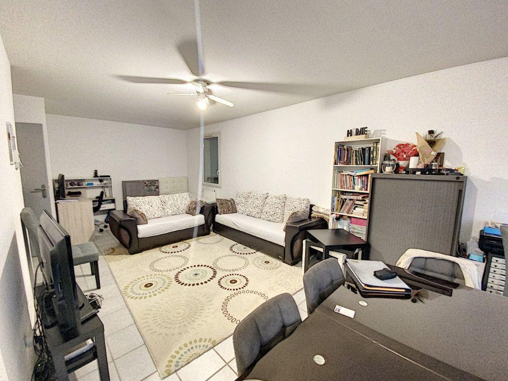 Appartement à vendre 3 72m2 à Morières-lès-Avignon vignette-3
