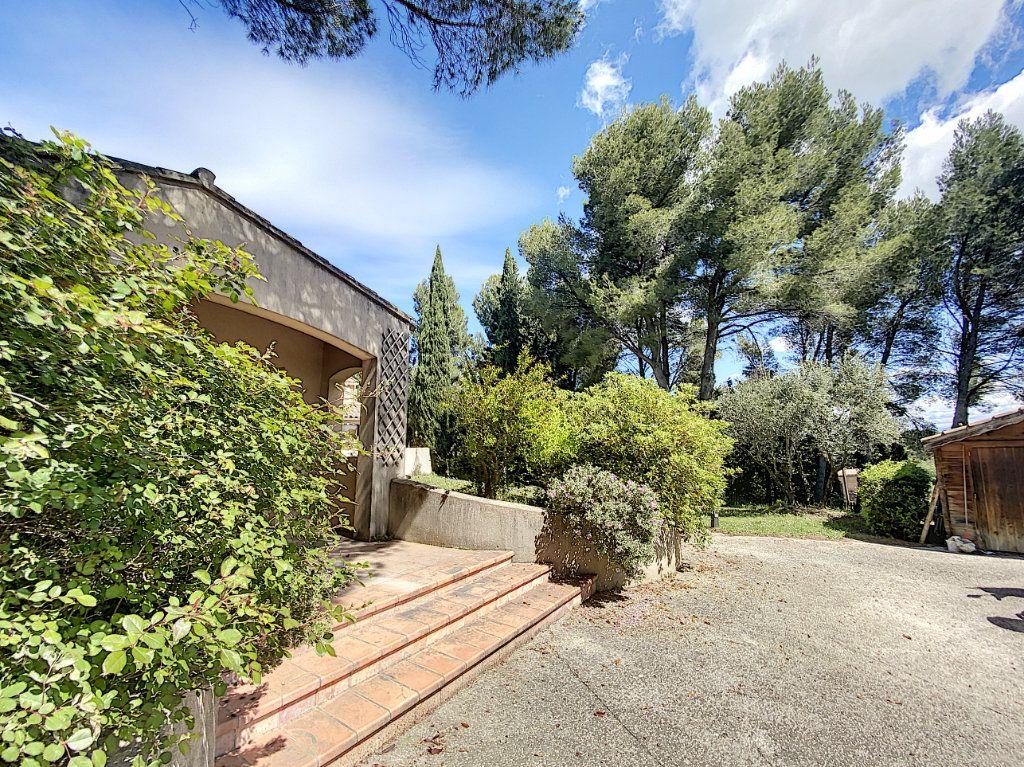 Maison à vendre 8 300m2 à Saint-Saturnin-lès-Avignon vignette-6