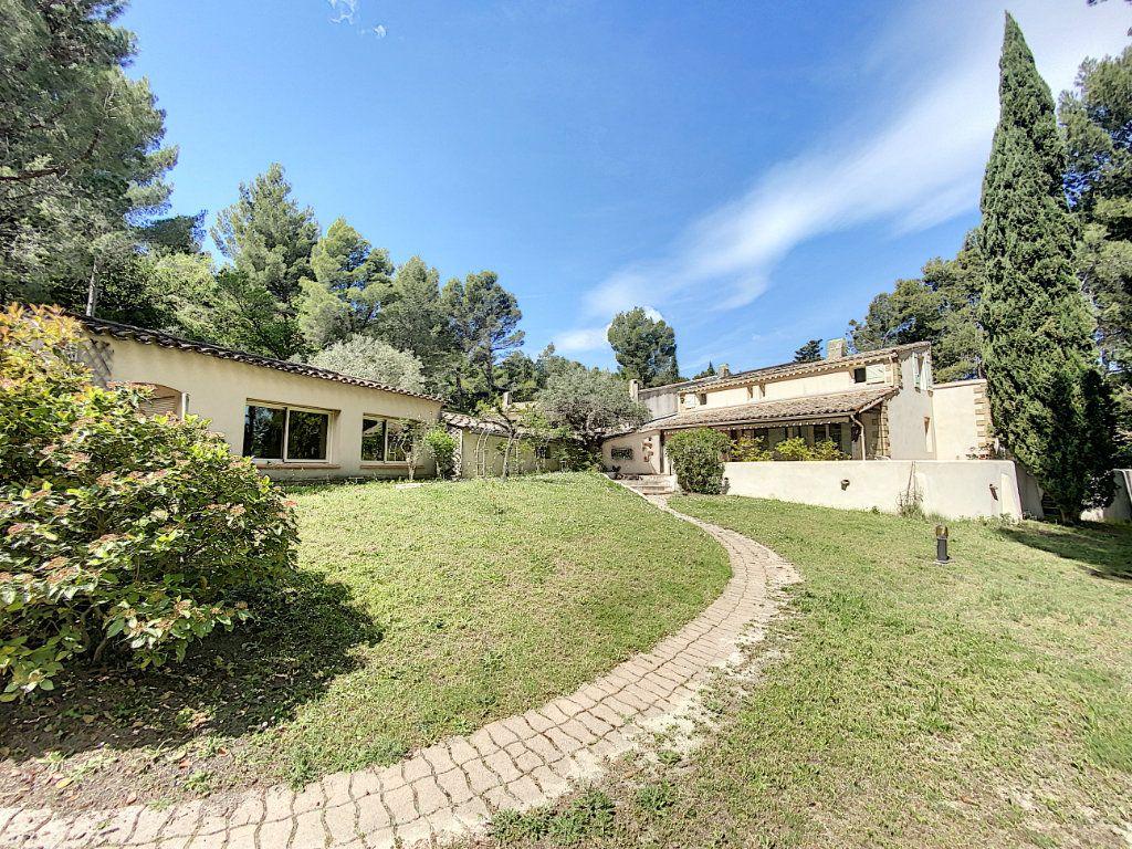 Maison à vendre 8 300m2 à Saint-Saturnin-lès-Avignon vignette-7