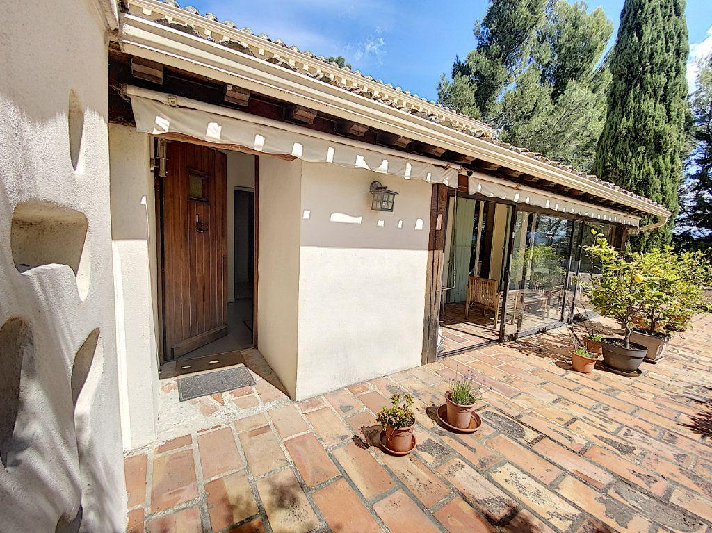 Maison à vendre 8 300m2 à Saint-Saturnin-lès-Avignon vignette-8