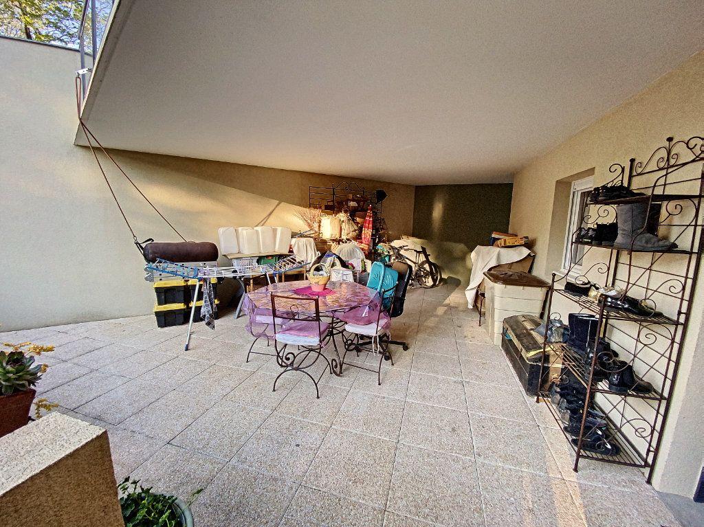 Appartement à vendre 3 62m2 à Montfavet - Avignon vignette-3