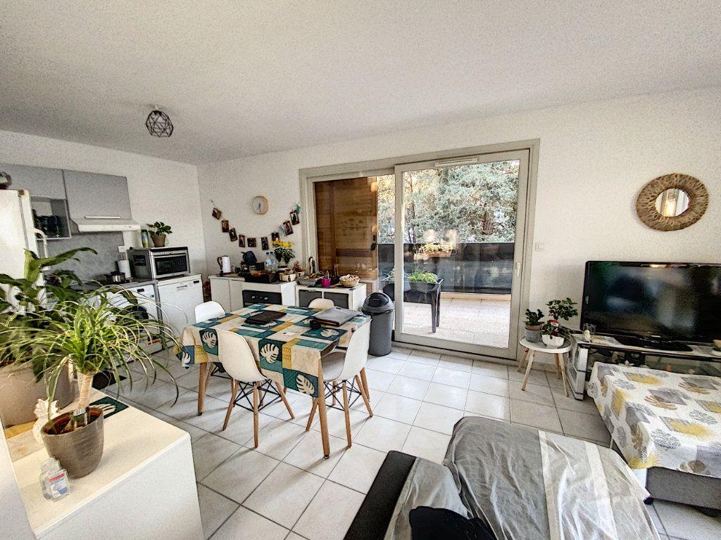 Appartement à vendre 3 62m2 à Montfavet - Avignon vignette-5